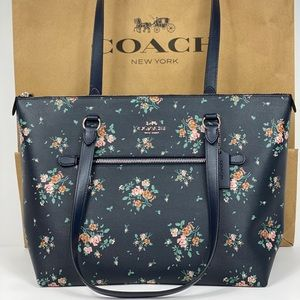 NWT Coach Gallery Tote Rose Bouquet Print